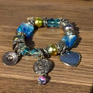 Fashion bracelet stretchable silver gold and blue